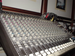 audio-mixer-1461996