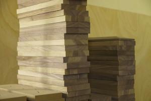 Kolumny robione są z kawałków litego drewna   (fot. Diapason)