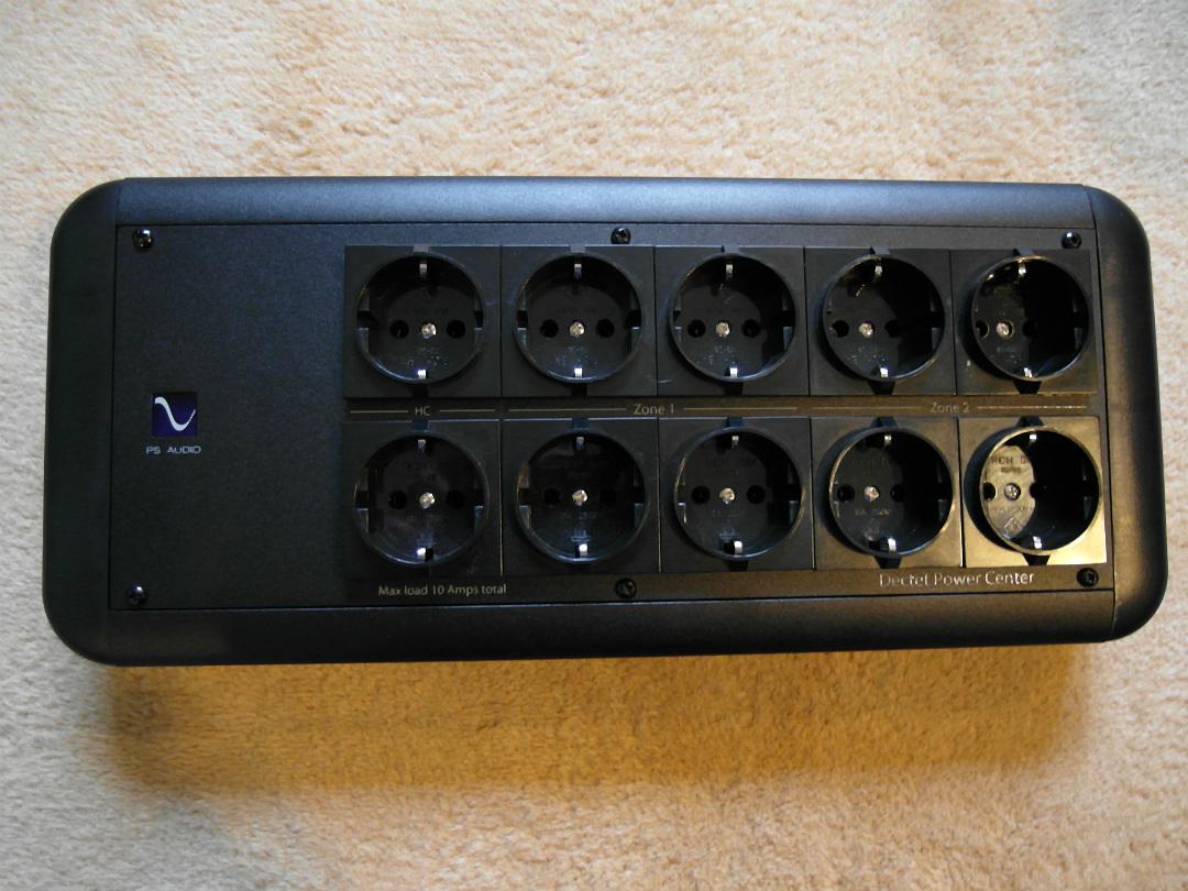 PS Audio ma aż 10 gniazd (fot. wstereo.pl)