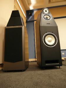 Kolumny użyte w teście: Wilson Audio Sasha 2 (z lewej) i Hansen Dragon Legend E (fot. wstereo.pl)