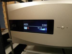 Przetwornik cyfrowo analogowy DCS Vivali. Część odsłuchów przeprowadziliśmy korzystając właśnie z niego. Zastąpił też na chwilę preamp, ponieważ jest możliwość sterowania za jego pośrednictwem końcówką mocy (fot. wstereo.pl)