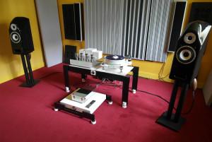 Stereofoniczny system w monitorami Hansen Audio