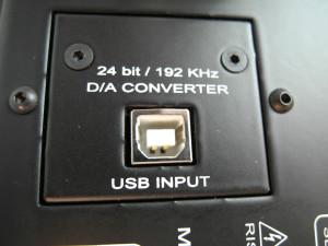 Wejście USB do przetwornika  (fot. wstereo.pl)