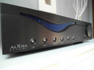 Aidia Hlight - piękna włoska robota  (fot. wstereo.pl)