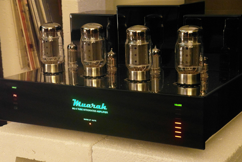 Wzmacniacz lampowy Muarah. Polska firma robi też piękne gramofony