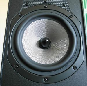 Nowy głośnik średnioniskotonowy