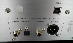 Komplet wejść i wyjść cyfrowych. Dlaczego USB jest osobno?