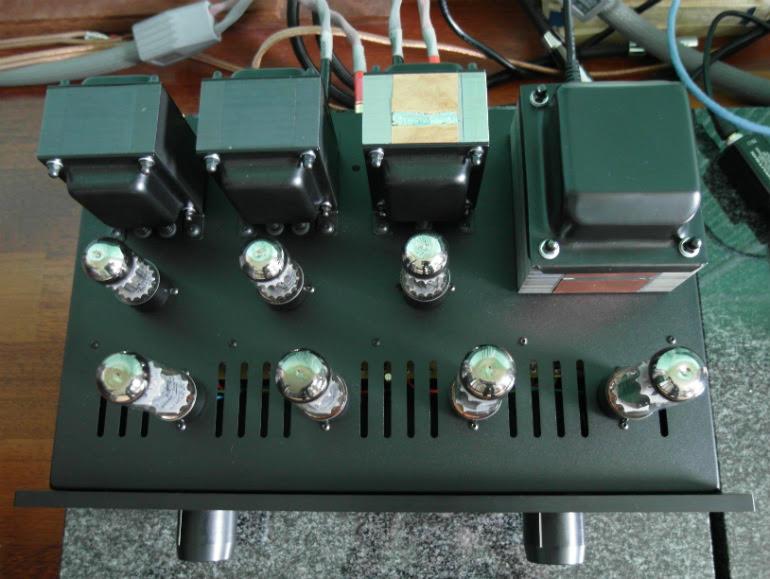 Test Haiku-Audio Selene EL34 A - tak wzmacniacz wygląda z góry