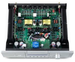 BAT VK 3000 SE - test. Środek amerykańskiej integry (fot. BAT)