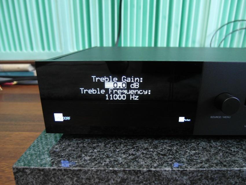 Lyngdorf TDAI 3400 - test. Za pomocą korekcji częstotliwości można dowolnie kształtować brzmienie (fot. wstereo.pl)