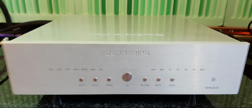 Denfrips Venus II - najmniejszy, ale chyba najlepiej wykonany i wyglądający (fot. wstereo.pl)
