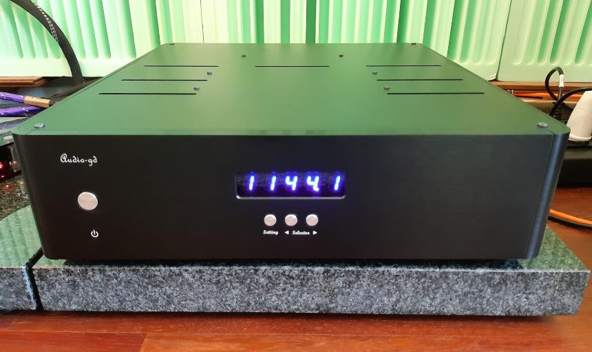 Audio GD R7 HR to naprawdę ogromne urządzenie, robi naprawdę wrażenie (fot. wstereo.pl)